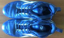 Men's size 11 Baseball shoes,. I take a 10.5 runner so expect a slightly smaller fit. Great shape and yes they are blue.