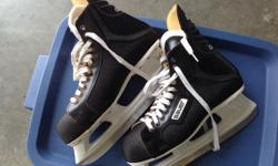 Bauer Charger Men's Hockey Skates Size 11. Almost new.