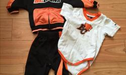 12 month size jogging outfit and shirt. Some pilling, but have not tried to remove.