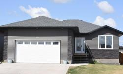 # Bath 3 Sq Ft 1453 MLS SK754541 # Bed 5 This home is better then new and move in ready. Spacious foyer, impeccibly maintained and features a gas fireplace with stacked stone surround with 9ft. ceiling. Visithttp://www.myvisuallistings.com/vt/267212 for a