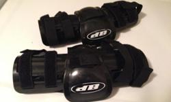 Elbow pads in great shape. Son used it for hockey when he was 12. Check out the other kids hockey gear I have posted