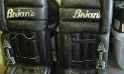 Custom adult goalie pads Can meet in the Cowichan Valley