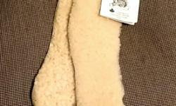 Brand new sheep skin shoe insoles! Super warm and can be trimmed down to almost any size. Made on Gabriela Island.*