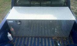 CUSTOM  BUILT CHECKERPLATE STORAGE BOX ,SLIDING TRAY INSIDE ,WELDED HEAVY GAUGE ALUMINUM, LOCKABLE NEW 850 PLUS TAX TO MAKE ASKING 650. OBO email is best as i am having trouble accessing my phone messages but try to call anyways if you like