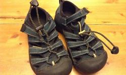 Size 12 Keen Sandals, great condition.