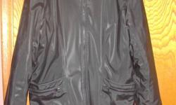 Cold Weather durable & comfort Size Large Brand: Polar Fleece EUC condition. Please see photos..from a smoke and pet free home.