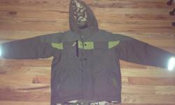 Columbia Boys Camo green winter jacket, Age/size 8 in great condition. $10