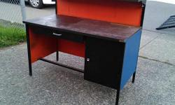 Free commercial desk from a tire store Located in Duncan