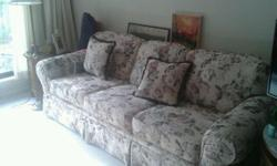 floral pattern well cared for no pets NO odors No stains More on the Firm side text line Only