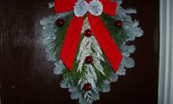 """Made from """"Silver Fir"""", """"White Pine"""", and """"Cedar"""" boughs. 5 different colour arrangements to choose from -Gold with red glitter -Gold with gold glitter -White with red glitter -White with gold glitter - Natural (no paint or glitter) (looks may vary"""