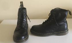 Dr Martens Classic 1460 Boots Fits Men's size 8 US / Women's 9 US 41 EUR Were $212 retail Excellent condition $145 Firm **************************** Smooth black leather upper Raw leather interior 8 eyelet lace-up for secure custom fit Welted construction