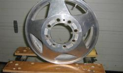 looking for 2 or 4 of these rims,16 '' aluminum for 3500 dually Silverado/Sierra, may be interested in complete set of 6 aluminum rims. please email or call Ron @ 613-382-7824