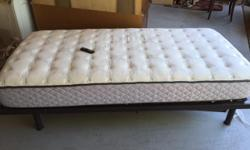 NEW PRICE!!! Spaldin Natural Sleep single bed Optimum Sealy Posturepedic Mattress This low profile electric bed has a cordless remote, back and leg raising capabilities as well as entire mattress adjustable height. When purchased was $1,800 Excellent