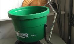 almost new Lawncrafter fertilizer spreader