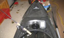 Beautiful  Ascend FS12 fishing kayak that has all the toys! Bought a few months ago from Bass Pro Shop($850) but I'm purchasing a boat so this has to go.  It comes with a brand new Hummingbird dual sonar fishfinder($160) and powerful new battery($70).