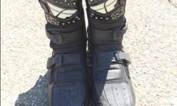 Size 12. Used about dozen times. Amazing shape, lots of life left in them. I moved on to road bikes so I don't need them anymore. Paid $160 so this is a 55% off deal. More info about the boots from Fly Racing below: The Maverik Shorty boot features a