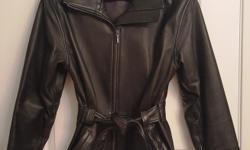 Classic cut leather coat you can wear to the office and out on the town! Size S/M
