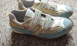 Excellent clean condition with only light wear, Geox girls size 3 (Eur size 34). Asking 20 firm.