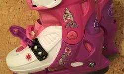 Disney princess skates (hockey style, no picks) that are adjustable with the push of a button from kids size 13 to 2.5. Posted with Used.ca app