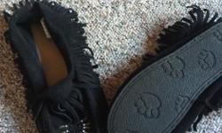 Pair of size 8 women's, black Moccasins - never worn $25.00 Pair of Size 8 woman's navy Van's- never worn $35.00 TNA Size SM, knitted sweater, barely worn- $25.00 American Eagle, long sleeve T size SM$10.00, beige knitted sweater size Med $15.00 Ladies