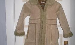 Girls coat age 8 100% polyester Machine washable. From Pet free smoke free home. Your welcome to come try it on.