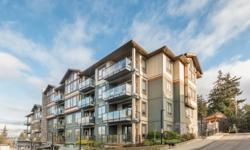 # Bath 2 Sq Ft 1140 MLS 359191 # Bed 2 Spacious 2 bedroom plus den, 2 bathroom condo located at the Waterstone. This fabulous unit is finished with granite counter tops, real shaker wood cabinets, stainless steel appliances (including gas stove),
