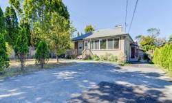 # Bath 3 Sq Ft 1938 MLS 368945 # Bed 5 Great Investment! $3575 per month in rent. Fabulous location in the heart of Victoria. Bright, 5 large sized Bedrooms with 3 full bathrooms plus a 2 Bedroom In-Law Suite. Recently renovations in 2010, plus new