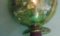 Hand Blown Art Glass Hummingbird Feeder Green with White and Yellow Spots Condition: Excellent! Description: Hand blown glass Hummingbird Feeder functions both as a feeder and garden ornament. Rubber stopper and feeding tube at the bottom removes for easy
