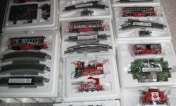O Canada Hawthorne Village Electric Train. Mint Condition, Never Used. Excellent Christmas Gift. Certificate of Authenticity with each car.