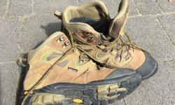 Excellent condition. Like new, worn twice, $80 new from MEC. Zamberlan brand.