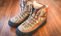 Used hiking boots in great condition. 100% waterproofed, leather and rubber is in great condition