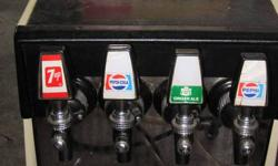 7Up Soda Fountain Dispenser. Great for your collection or for dispensing your home crafted beer.  Everything works, ready to go.