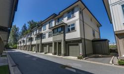 # Bath 2 Sq Ft 1406 MLS R2289661 # Bed 3 CORNER unit, spacious, 3 level, 3 bedroom, 2 bathroom townhouse in Silverwood. OPEN CONCEPT on main level with high ceilings and wide plank laminate floors. Sunny kitchen with full sized STAINLESS STEEL appliances,