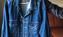 90's jean jacket, excellent condition, large size
