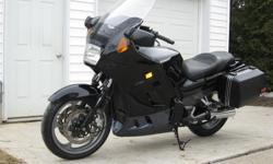 2004 Kawasaki Concours, 1000 cc, 38000 KM, corban seat plus stock Kawasaki seat, new riffle windshield, asking $4,300.oo
