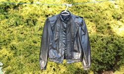 Ladies black leather bomber jacket size 9/10