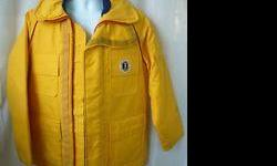 """The Floater by Mustang Ladies Marine Commander Coat PFD Style #2808 Yellow Made in Canada Size: Medium Fits: 34"""" to 36"""" chest Used for warmth & docking with those nasty pilings in the winds, never been in water (thank goodness), good condition."""