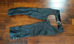 """They came with a bike i bought a few years ago, i have never worn them. Largest waist size is about 32"""" Made in Montreal."""