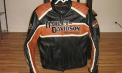 Men's Classic Cruiser Leather Jacket size Medium Midweight leather jacket with mandarin collar, fixed polyester lining, and removable quilted vest liner. Channel venting system distributes air flow evenly to cool the core body temperature. Lightweight