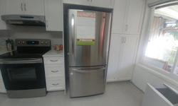30 Inch, 19.7 cu.ft. Bottom Freezer Refrigerator with Swing Freezer Door Key Features: - Bottom Freezer Design - Independent Digital Temperature Controls - Environmentally Friendly - Multi-Air Flow Cooling Clean and in great shape. Purchased bigger model