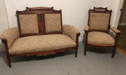 Vintage and classic matching set, very nice carved wood detail, good condition.