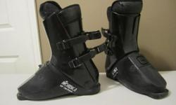 Mens' NORDICA SKI BOOTS used about 10 times ** excellent condition **shoe size 9-10 New paid $297 + tax Sell $50 ** Nordica Ski Boot BAG ** sell for $15 **