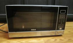 RCA Microwave Barely used 0.7 cu.ft. 700W output