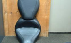 USED MUSTANG SEAT IN NEW CONDITION. FITS 2004- 2009 HONDA VTX1300 CUSTOM. DIFFERENT FROM THE RETRO MODEL. COMPARE TO NEW PRICE OF $500.00. OEM PART# 76191.