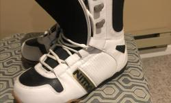 Size 13 men's Nitro snowboard boots Excellent condition used once