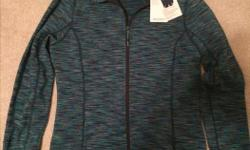 New Mondetta - makes a nice gift (1838) Store tags still attached Elevate thermal jacket Brushed inside finish for warmth Contoured lines, zipper Two side slit pockets Size: Medium $50