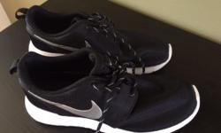 Ladies 6.5 Nike Roche Runs. Like brand new, only worn once. $110 + tax Paid.