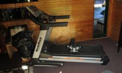 NordicTrack commercial tredmill like new comes with another exercise divice have manual south nan. 400 obo -