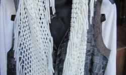 Off-White Knit Infiniti Scarf with fringe - in excellent shape