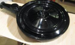 Very nice, original GM air cleaner (breather) from the 1968-1972 years. Very good (2 piece) condition and mounts direct with the Quadrajet 4bbl carburetors. Very nice valuable and original upgrade from the millions of generic $15 china-chrome jobs out